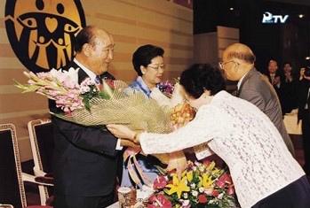 20020621天地父母統一安着大会 (2).jpg