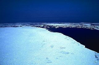 resize北海道 オホーツク海の流氷.jpg